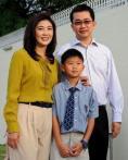 泰国前总理英拉及家人