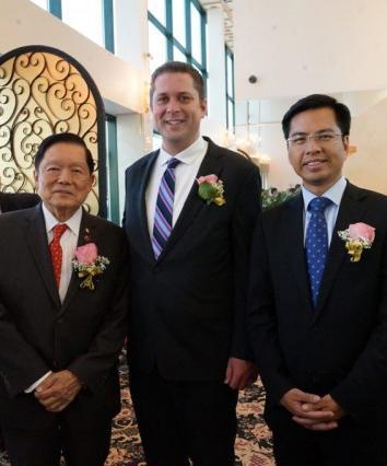 多伦多华裔周建成会来事 成立10个非牟利组织助阵保守党