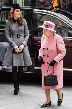 英女王表彰长孙媳 特授予凯特圣母大十字勋章