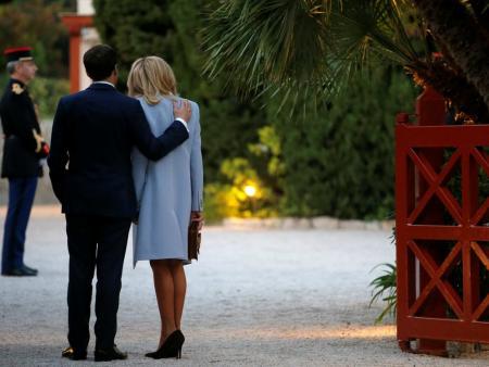 法国总统马克龙夫妇在海燕别墅等候习近平夫妇