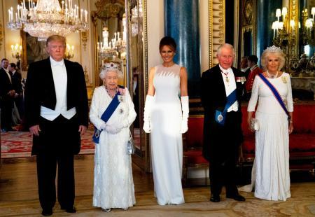美国总统trump再访英国王室