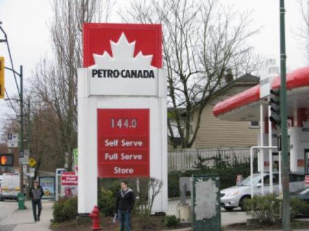 大温汽油税高 去美国加油 ☏ 加油机吃油投诉