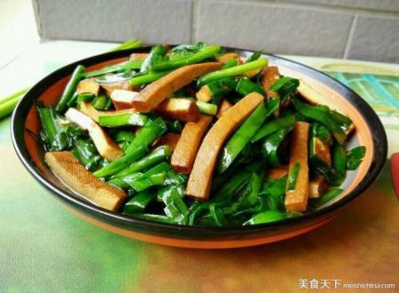 ♣ 韭菜炒香干