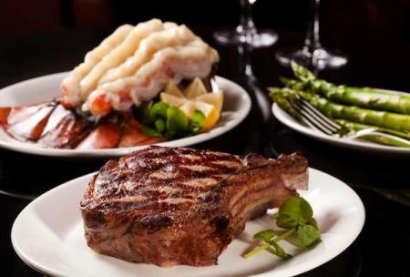 How you like your steak done? 想要什么熟度的牛排?