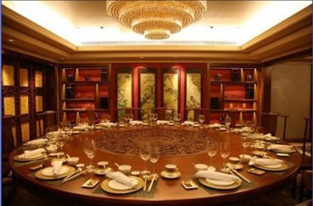 中国式饭局里的那些潜规则 座次、点菜、吃菜皆学问 (图)