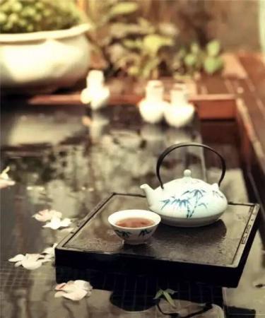 中国茶道艺术二十四品:品水 品茶 更品人